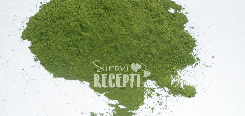 Prahsvježe koprive kao dodatni element Zelenim kašastim sokovima