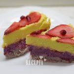Sirova voćna torta od jagoda i kokosa